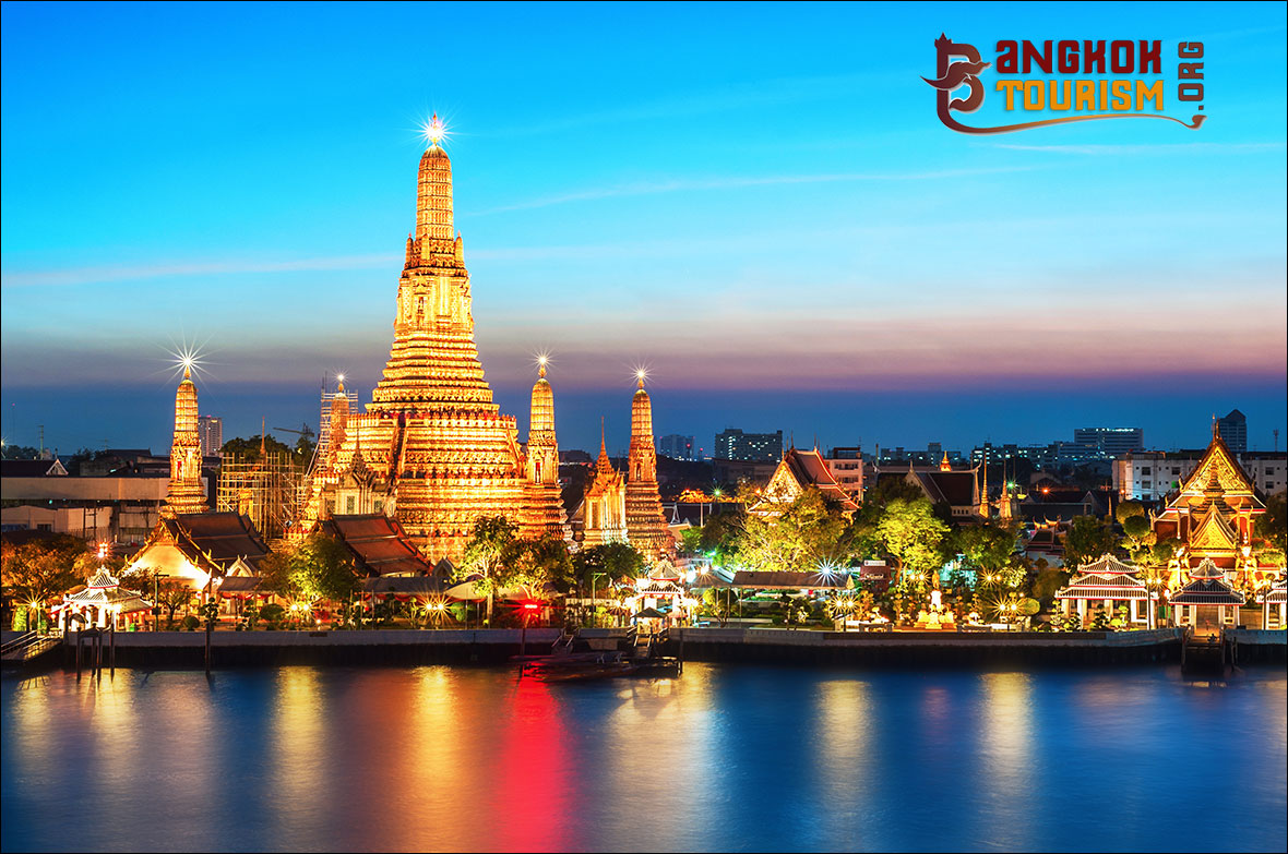 Wat Arun - Bangkok Attraction